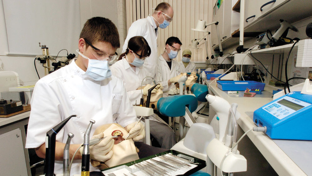 dental hygiene essay topics Research center industry-specific research has become increasingly important to achieving our mission to advance the art and science of dental hygiene.