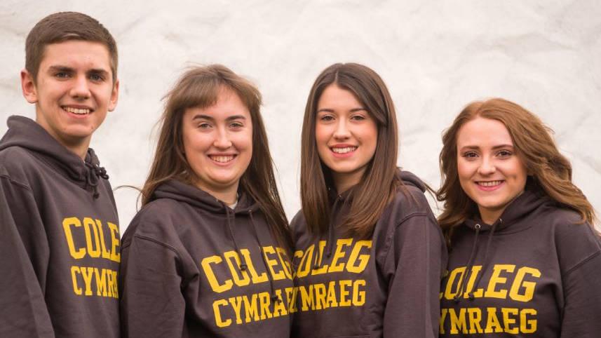 Llysgenhadon y Coleg Cymraeg Cenedlaethol o Brifysgol Caerdydd