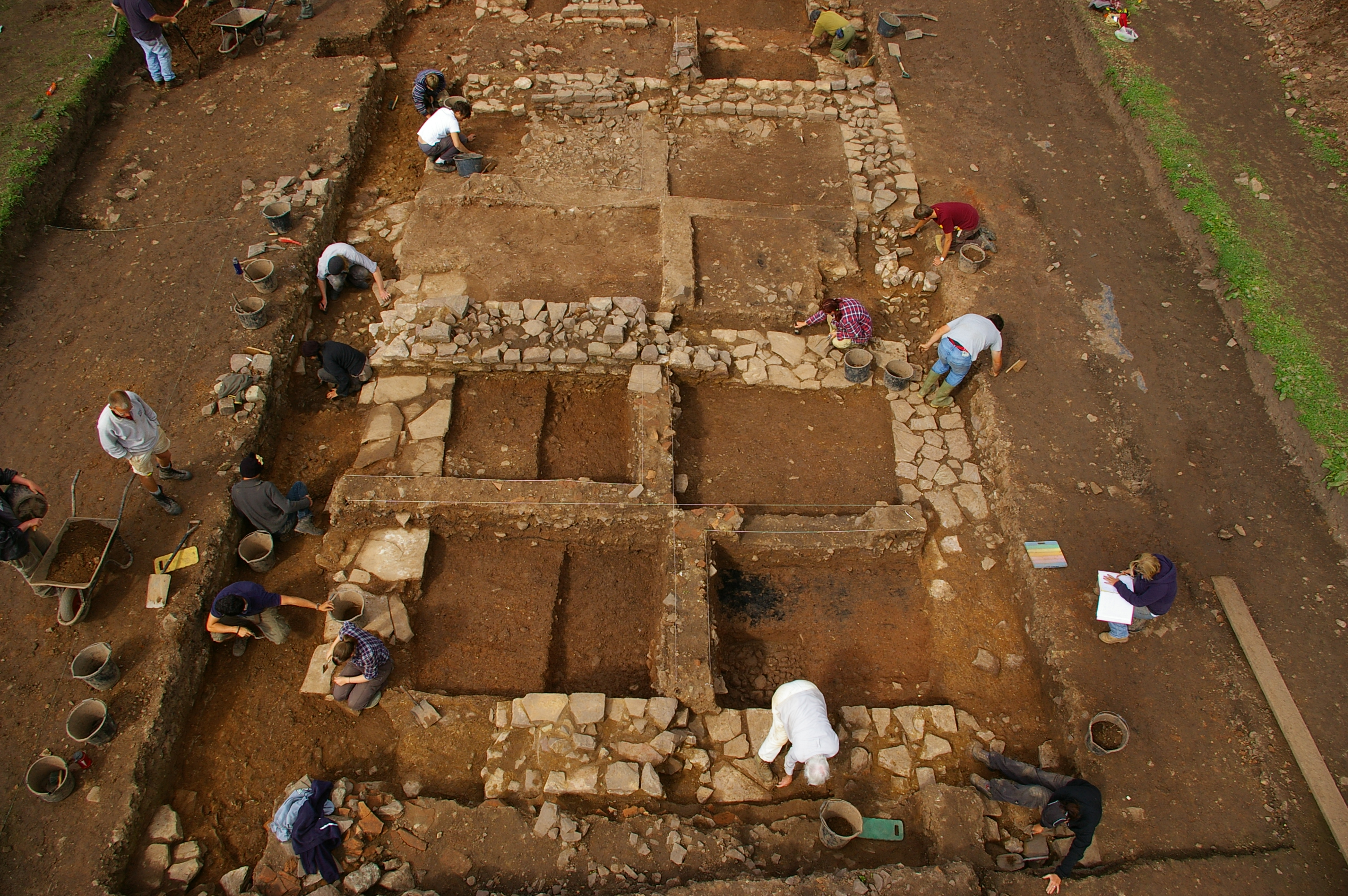 Figure 2: Excavating in Priory Field, 2010. © Cardiff University / UCL